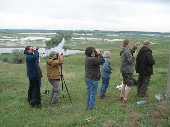 Hobby-Ornithologen auf Pirsch. (Foto: mlz)